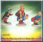 02442-elves at playset of 3