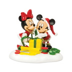 811276-Mickey & Minnie Wrapping Gifts