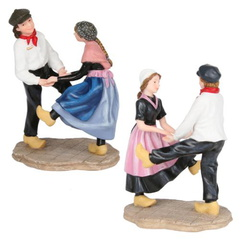 601579 dancing on wooden shoes set of 2