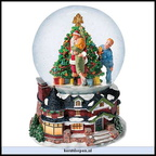 56 55162 kissing claus waterglobe music box holiday 2002