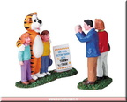 82502-kids with tommy tiger