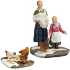 604.040-juul and elle feeding chickens set of 2