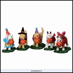 52301 trick or treating dogs